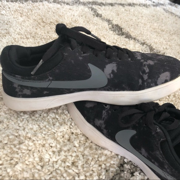 1d2cec3a33 NIKE SB Eric Koston signature model lunarlon shoes.  M_5bf0815b2e1478015def2669